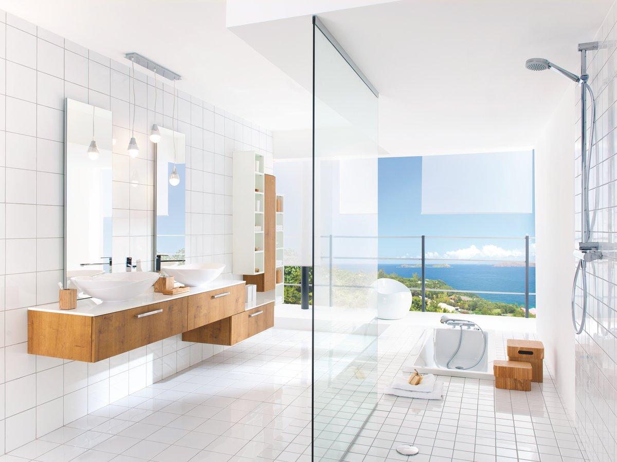 Немецкая мебель в ванной Акриловая ванна Triton Пеарл-Шелл L